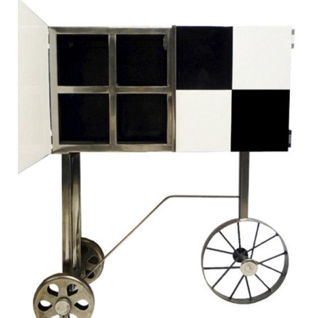 Cabinet-Noir-et-Blanc-ouvertW